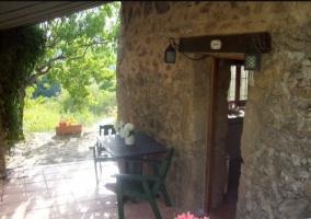 Vistas del porche con flores de colores