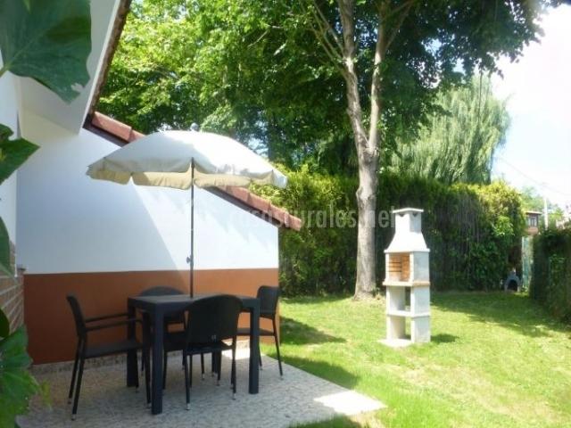 La casina en ribadesella asturias for Casa rural jardin del desierto tabernas