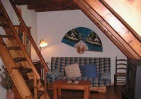 Dormitorio matrimonial de madera