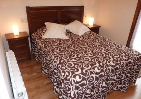Cuarto amplio con 2 camas individuales