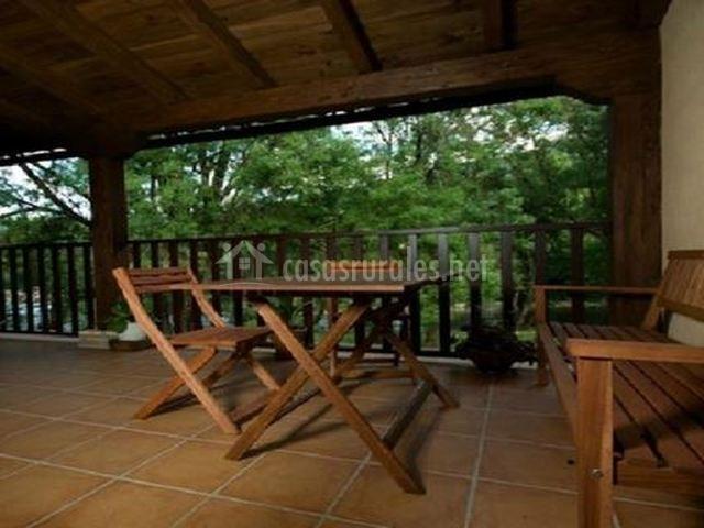Terraza con sillas