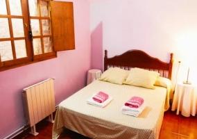 Dormitorio 5 con cama de matrimonio