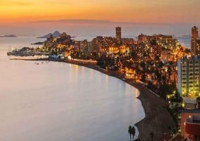 Costa de Murcia al anochecer