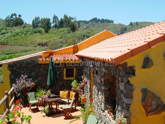 Casa doramas en moya gran canaria for Casas rurales en el sur de tenerife con piscina