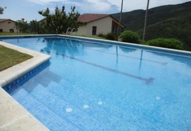 Casas rurales con piscina en montseny for Piscinas del montseny