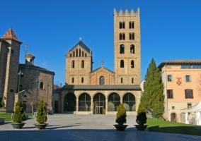 Exterior del Monasterio de Santa María de Ripoll