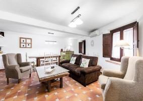 Cómodos sofás y sillones