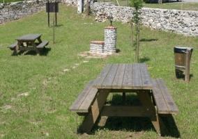 Jardín y cómodos muebles