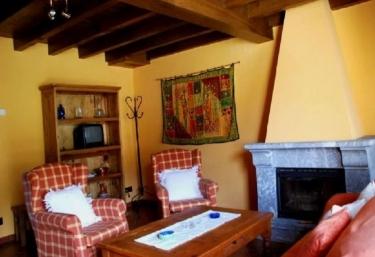 Casas rurales con chimenea en mere for Casa rural con chimenea asturias