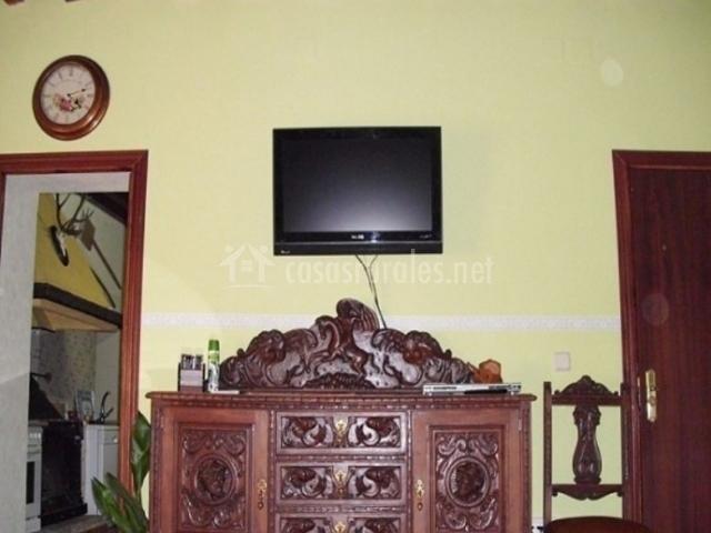 Sala de estar con su televisor