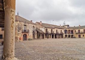 La Plaza Mayor y el ayuntamiento