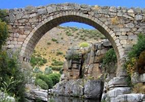 Puente romano sobre el río Tormes