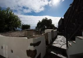 Escaleras de acceso a la casa