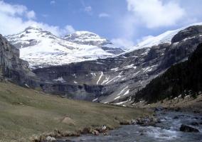 Río Arazas y Monte Perdido