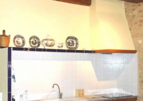 Cocina y baño al fondo