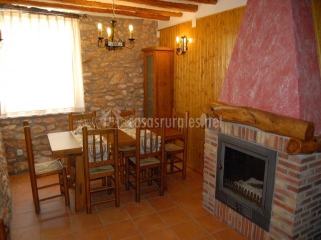 La toscana en les coves de vinrom castell n - Chimeneas en castellon ...
