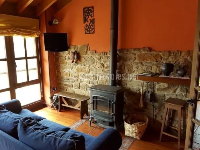 Casa rural en prieres en prieres asturias for Casa rural con chimenea asturias