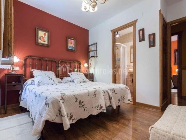 Habitación con 2 camas sencillas