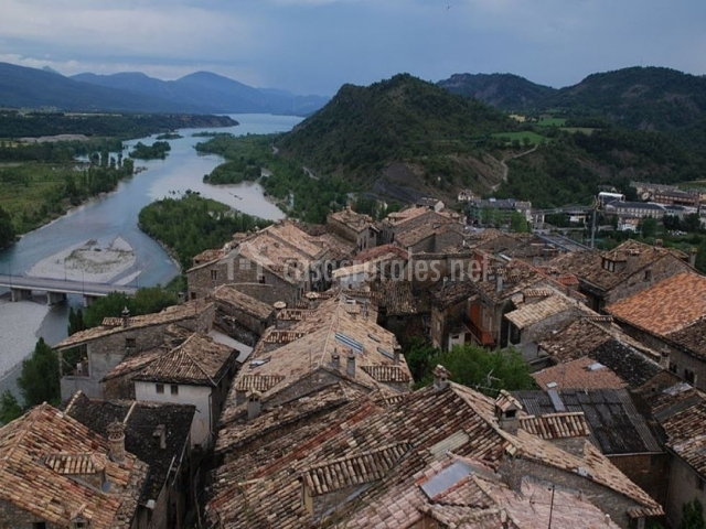 Río Arla a su paso por Aínsa