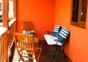 Terraza con mobiliario