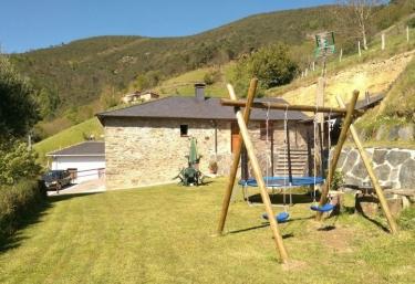 Rurales Casa Roxo - Valle, Asturias