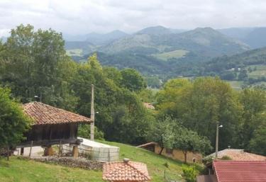 Casa Vistas - Cardes (Cangas De Onis), Asturias
