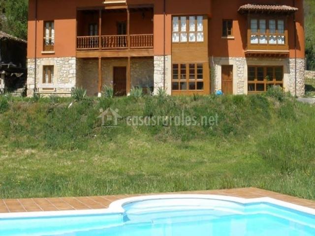 Hotel rural san francisco en cangas de onis asturias - Casas rurales en asturias con piscina ...