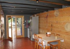 Cocina y salón a doble altura
