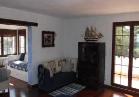 Cama nido y sala de estar de l