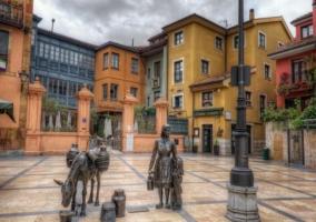Casas de distintos colores en la capital