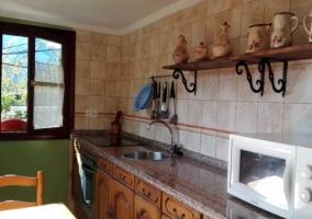 Cocina con microondas y horno