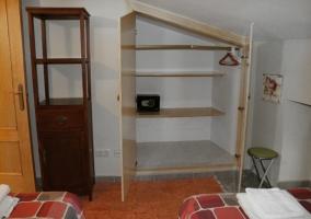 Dormitorio doble con armario