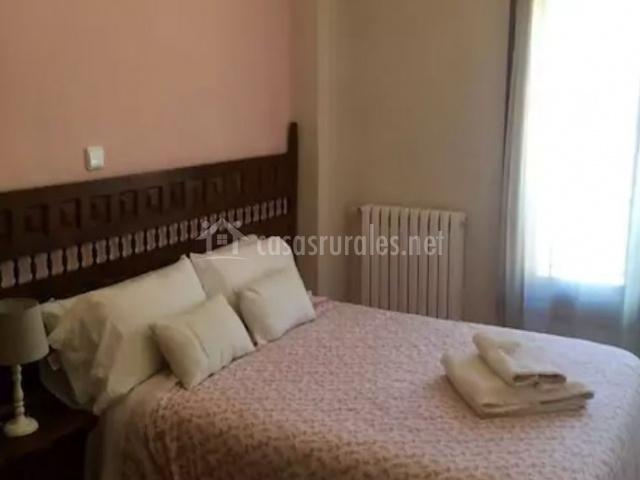 Vista lateral del dormitorio