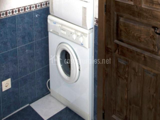 Lavadora en el baño