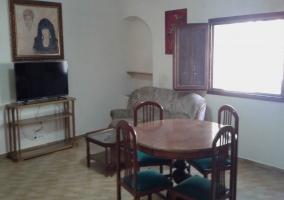 Apartamento 1 Comedor y televisión