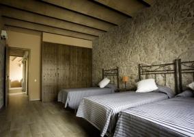 La Font Nova dormitorio triple