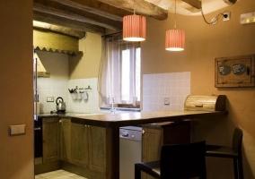 Pedraforca cocina con barra