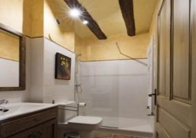 Interior baño El Mochuelo