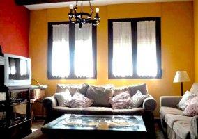 Sala de estar de la casa muy luminosa