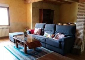 Sala de estar amplia con zona de comedor