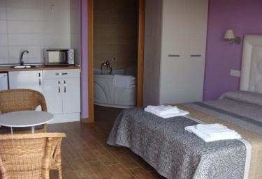 Apartamentos - Casas Rurales Manolo - Casas Del Monte, Cáceres