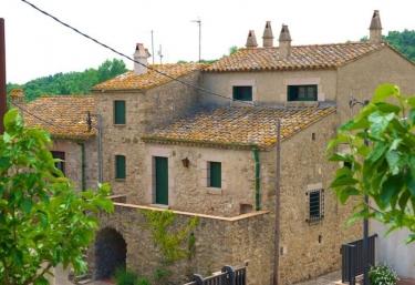 Can Xemeneies - La Vall (Ayto Capmany), Girona