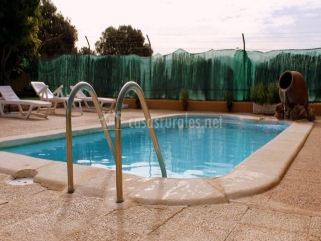 Hamacas junto a la piscina