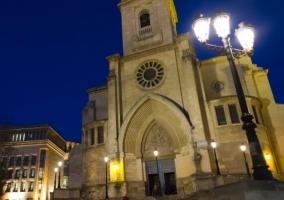 Iglesia al anochecer