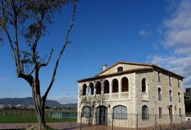 Casa Illa - Cornella Del Terri, Girona