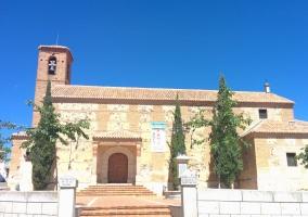 Entorno iglesia parroquial de Noez