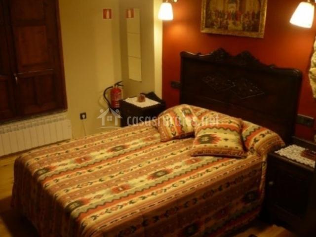 Casa luisa nava en nava asturias - Colchas dormitorio matrimonio ...