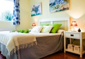 Dormitorio de matrimonio amplio y con vistas a los exteriores