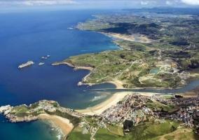 Zonas naturales en el entorno con playas