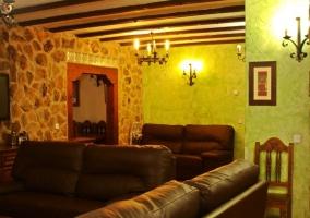 Sala de estar en tonos verdes